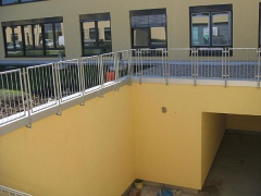 Helios-Kliniken - Fertigung und Montage von Geländern