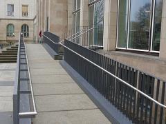 Hochschule für Wirtschaft und Technik