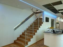 Fertigung und Montage Geländer, Ausführung in Edelstahl und Glas